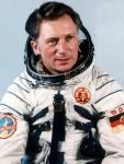 sigmund-jaehn-kosmonaut-astronaut-erster-deutscher-all-weltall-114~_v-img__3__4__xl_-f4c197f4ebda83c772171de6efadd3b29843089f.jpg