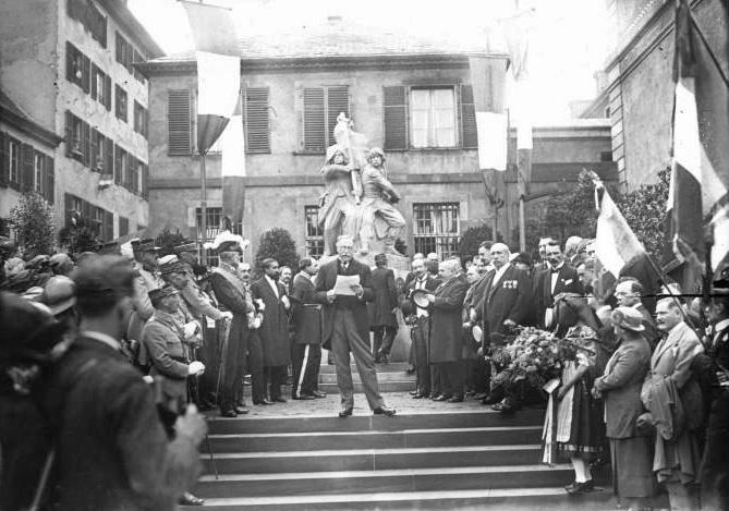 Strasbourg памятник 1922.jpg